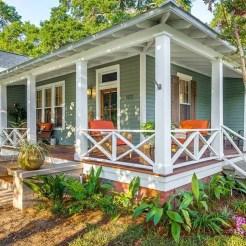 Traditional Porch Decoration Ideas23