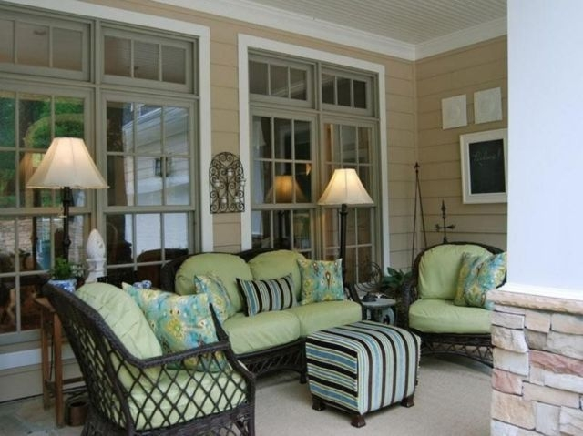 Traditional Porch Decoration Ideas35