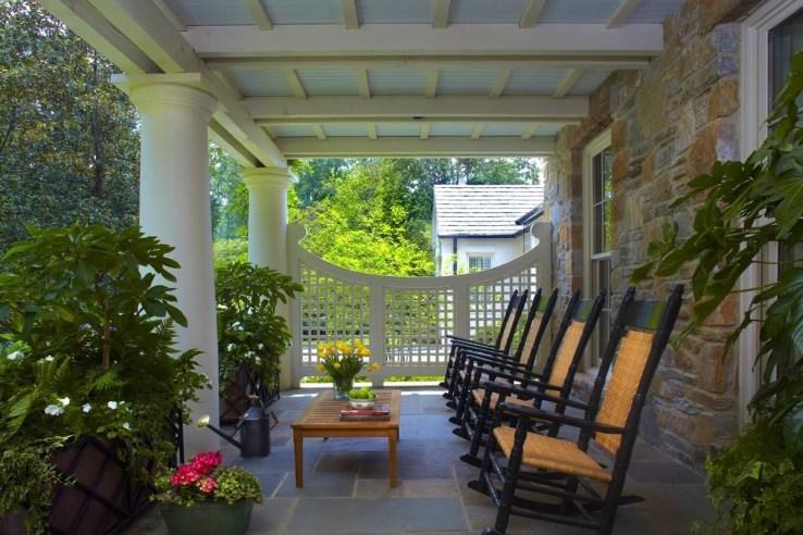 Traditional Porch Decoration Ideas37
