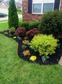 Beautiful Simple Front Yard Landscaping Design Ideas05