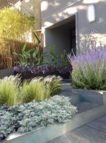 Beautiful Simple Front Yard Landscaping Design Ideas14
