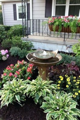 Beautiful Simple Front Yard Landscaping Design Ideas39