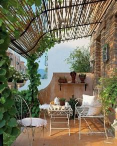 Cozy And Beautiful Green Balcony Ideas13
