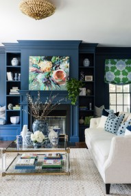 Cozy And Luxury Blue Living Room Ideas30