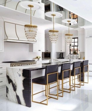 Luxurious Black And Gold Dining Room Ideas For Inspiration06