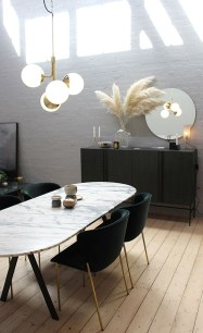 Luxurious Black And Gold Dining Room Ideas For Inspiration21