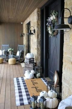 Luxury And Elegant Porch Design15