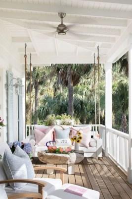 Luxury And Elegant Porch Design43