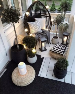 Modern Apartment Balcony Decorating Ideas16