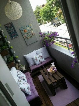 Modern Apartment Balcony Decorating Ideas18