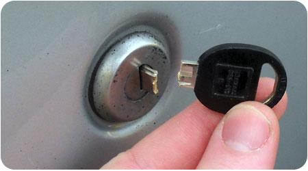 Broken vehicle Keys Repairing in Dubai