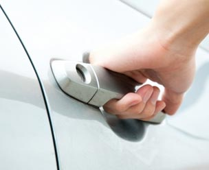Locksmith for Car Door Opening Dubai