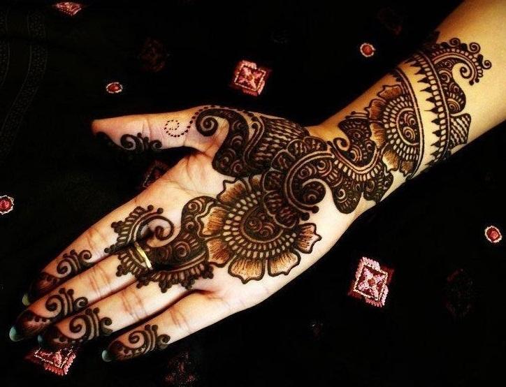Front Hand Arabic Mehndi Designs