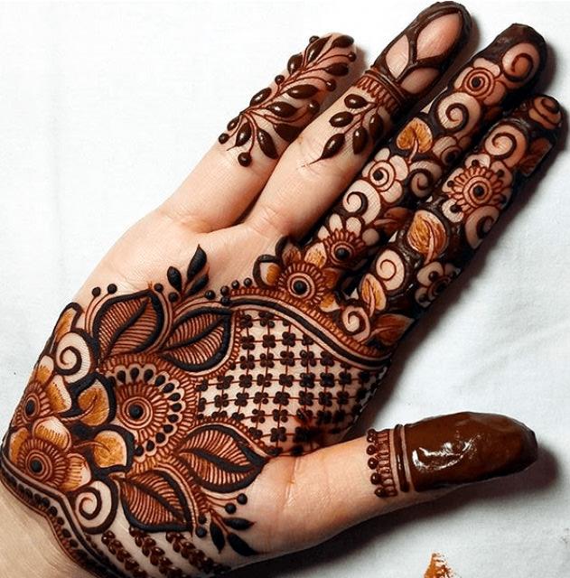 Front Hand Arabic Mehndi
