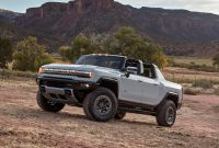 Check Out The 2022 Gmc Hummer Evs Crabwalk Mode In Action with ucwords]