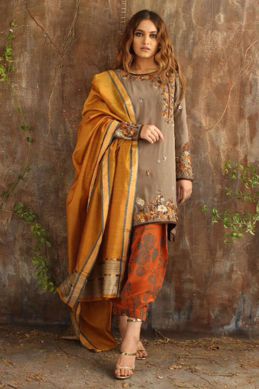Silk shirt and a printed crepe silk shalwar Wedding Party Mehndi Dresses by Nida Azwer