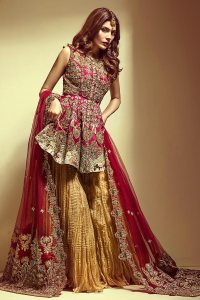 Mehendi Outfits Online