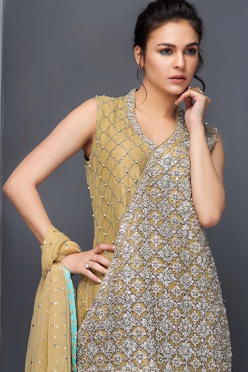 Mehendi outfit for Pakistani wedding