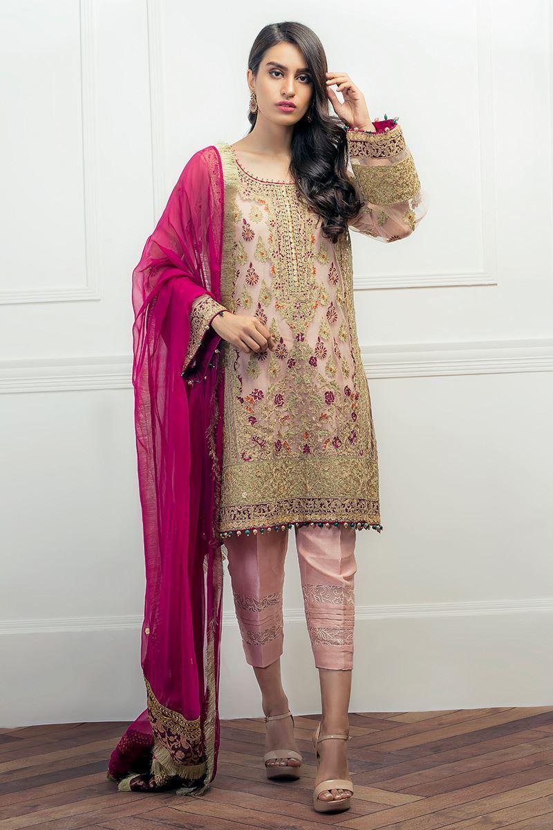 Simple Mehndi Dress by Aisha Imran