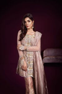 Simple Mehndi Outfit by Ammarah Khan