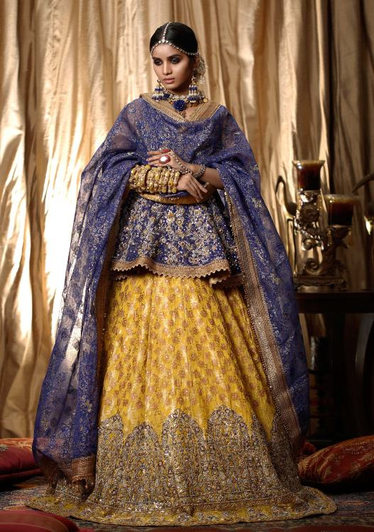 bridal mehndi lehenga