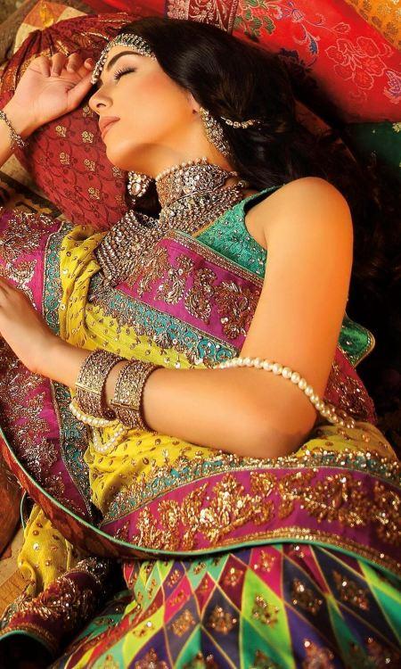 green and yellow mehndi dresses by Nomi Ansari