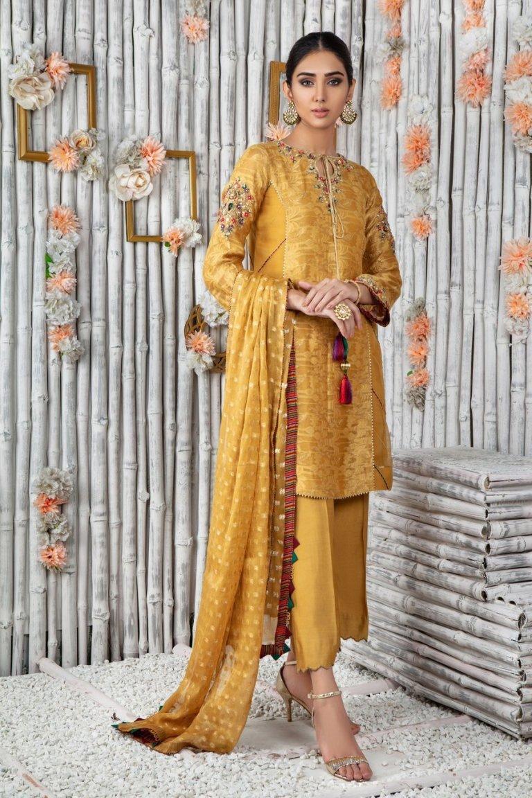 Mehndi Dresses for Girls by Sanober Azfar, Phatyma Khan & Sarosh Salman