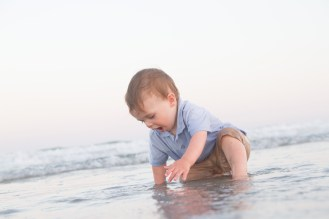 What to wear for children getting beach portraits.