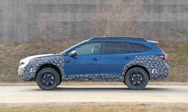 2022 Subaru Outback spy shots