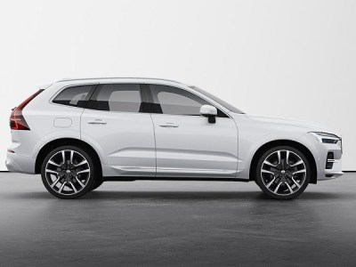 2022 Volvo XC60 main
