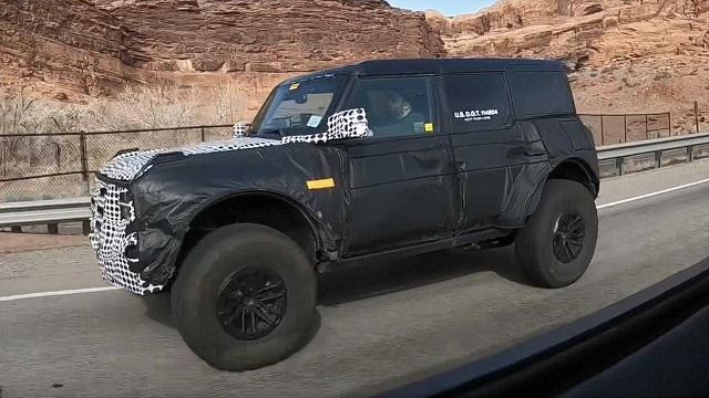 2022 Ford Bronco Raptor spy shots
