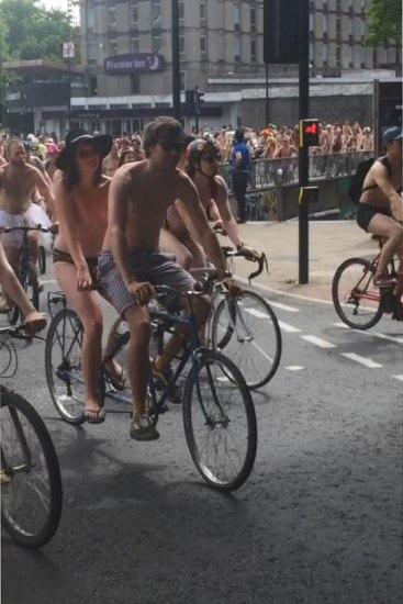 naked tandem bike