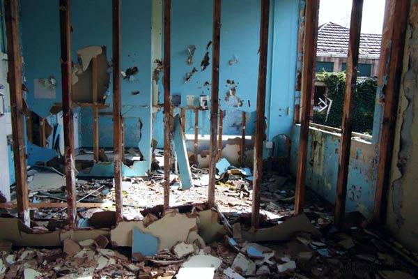barrow gurney hospital bedroom