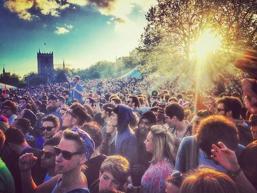 love saves the day in castle park