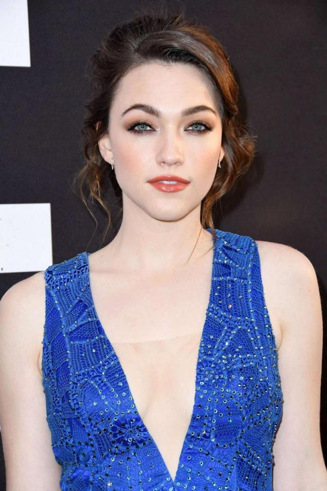 Violett Beane Hot & Sexy Pictures