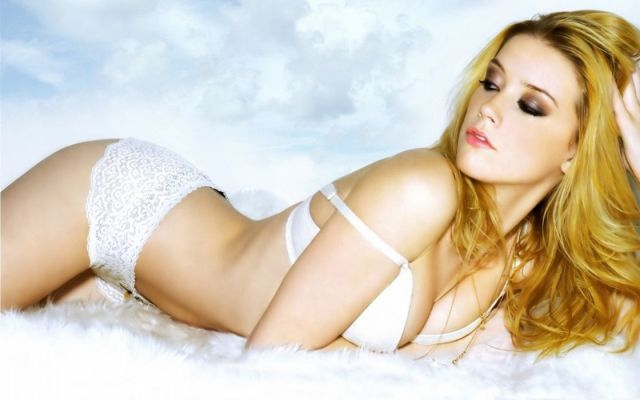 Amber Heard Bikini Pictures Hot Pictures