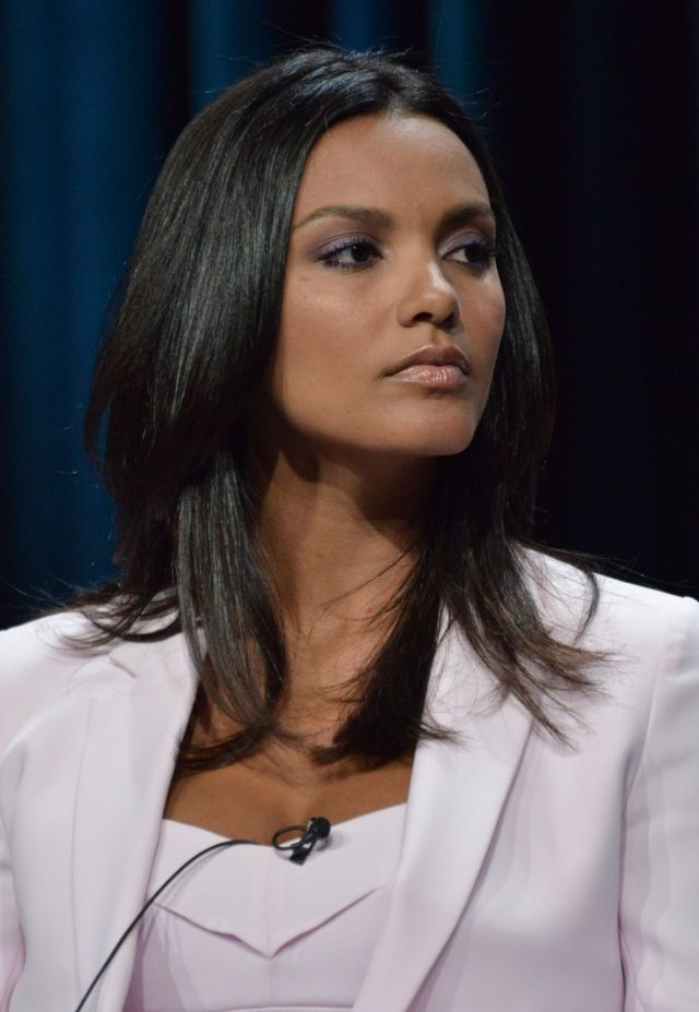 Jessica Lucas Sexy Pictures