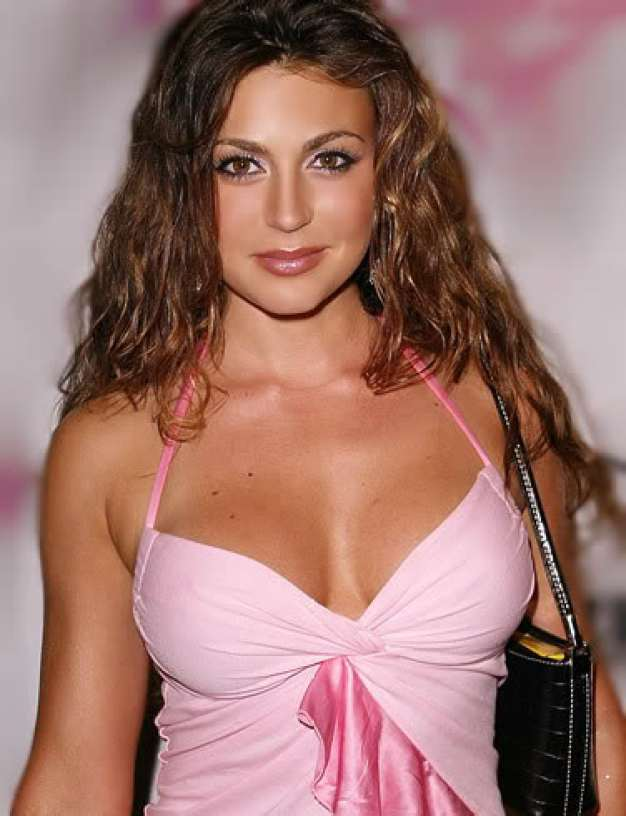 Cerina Vincent Cleavage