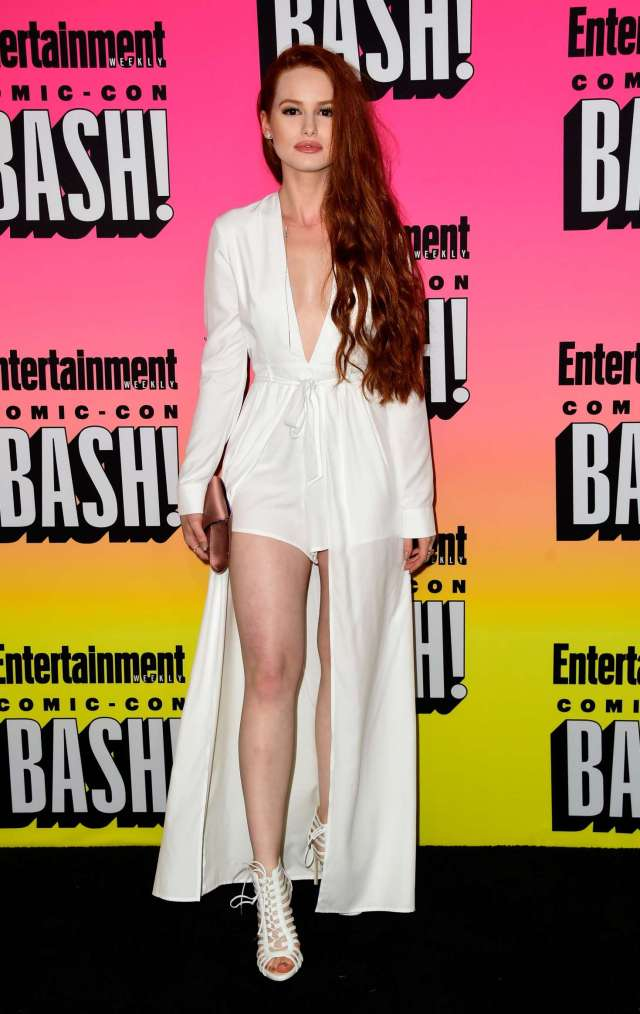 Madelaine Petsch Comic Con