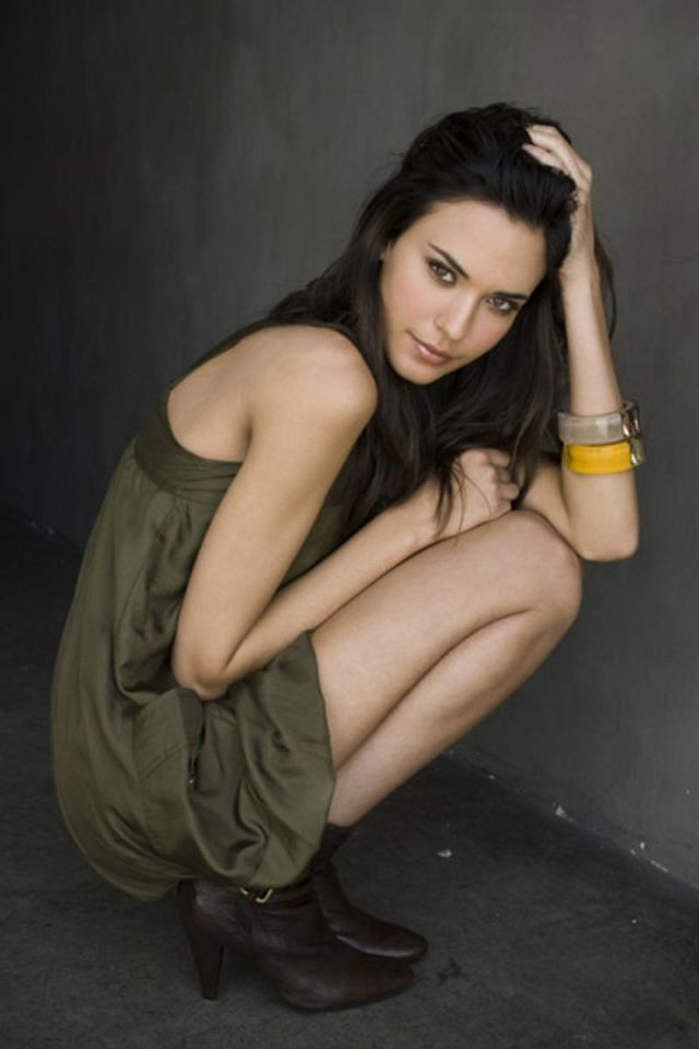 Odette Annable Hot Babes