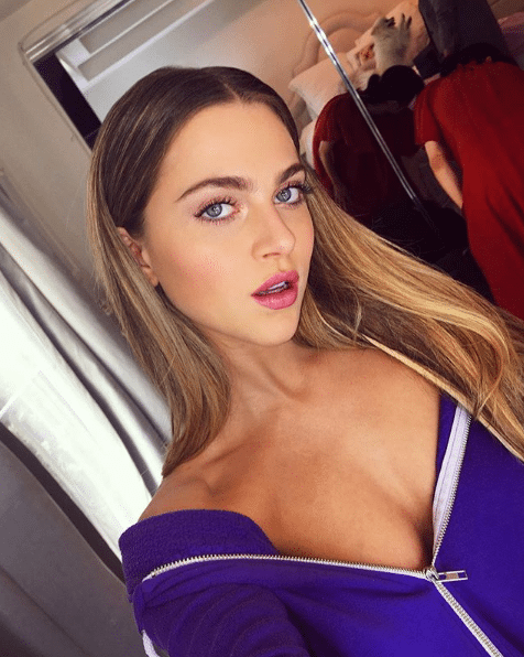anne winters cleavage