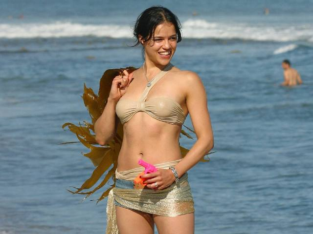 michelle rodriguez hottie look