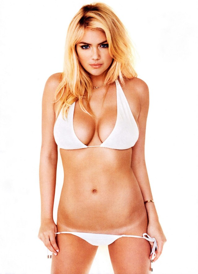 Kate Upton on Photoshoot in Bikini