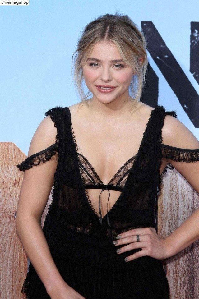 Chloe Grace Moretz Sexy Cleavage