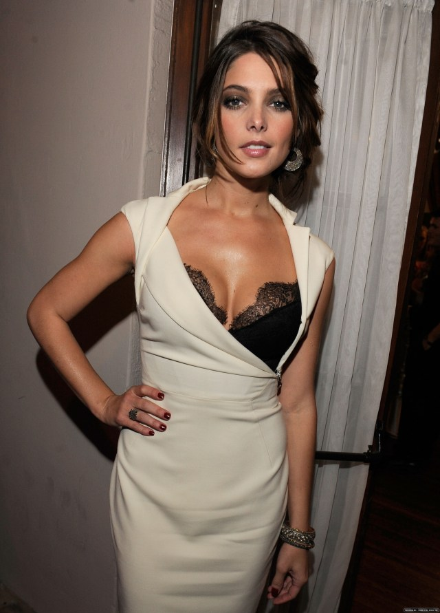 ashley greene sexy pictures