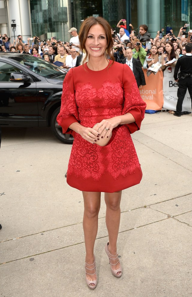 julia roberts red dress