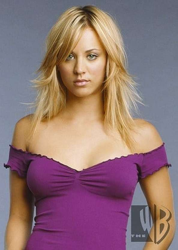 kaley cuoco hot cleavage