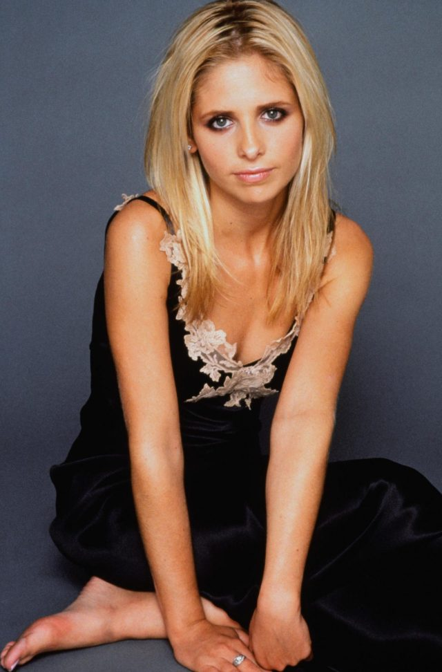 sarah michelle gellar hot dress