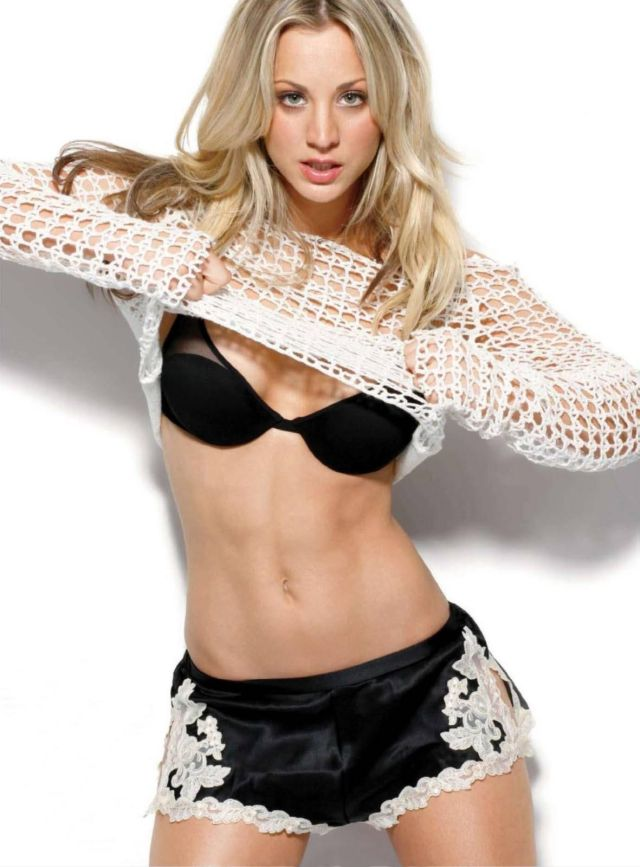 Kaley Cuoco's Sexy Pictures