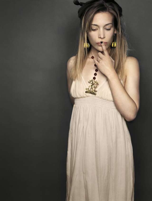 Piper Perabo says Silent